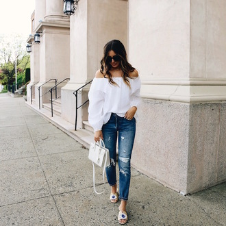 somewherelately blogger top jeans bag sunglasses jewels
