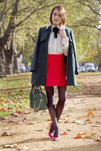 red red shoes blogger blouse la petite anglaise bag skirt duffle coat back to school