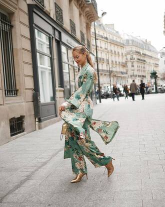 pants gold bag tumblr wide-leg pants floral floral pants kimono floral kimono boots gold boots ankle boots metallic metallic shoes bag spring spring outfits earrings gold earrings jewels jewelry gold jewelry clear lens sunglasses