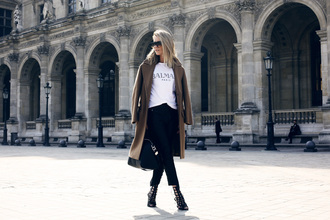 oracle fox blogger balmain white t-shirt long coat black heels coat shirt pants bag shoes sunglasses jewels