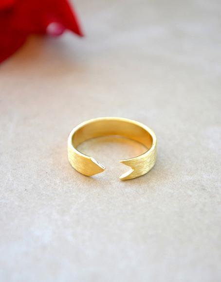 jewels ring gold gold rings gold ring arrow band ring