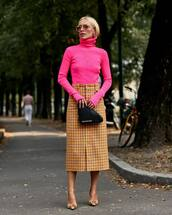 sweater,turtleneck,pink,midi skirt,checkered,high waisted skirt,pumps,button up skirt,leather clutch,sunglasses,earrings