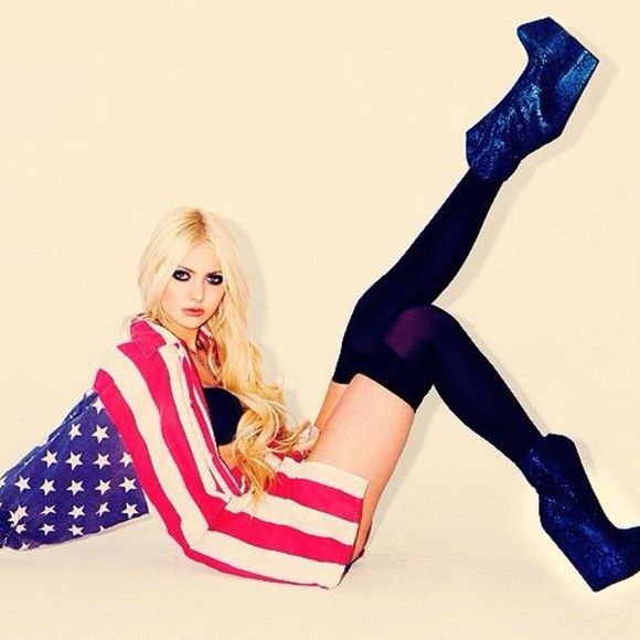 taylor momsen shoes jacket socks