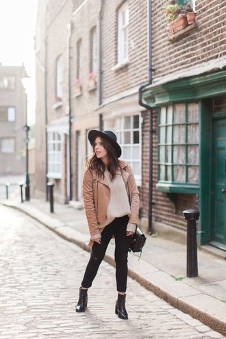 wish wish wish blogger fall outfits brown leather jacket