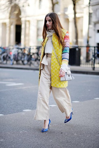pants nude pants top white top coat printed coat shoes pumps wide-leg pants streetstyle