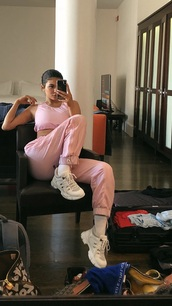 shoes,kylie jenner,sneakers,pink,colorful