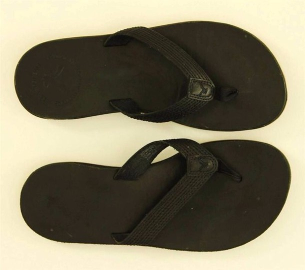 shoes american eagle flip-flops leather black
