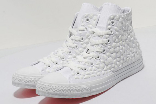 3d2a8e0adceb90 shoes white high tops high top converse converse white sneakers rhinestone  shoes all white everything all