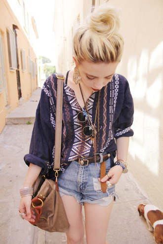 blouse navajo shirt aztec aztec shirt blue beautiful shorts hippie vintage hipster indie blonde hair tribal pattern fashion pattern boho boho patterns shorts bag navy bohemian long sleeves rolled sleeve top cute print gypsy colorful tribal print top denim shorts casual summer jewels belt dark aztec navy kaftan nice acessories leather bag sunglasses aztec print blouse loose easy funny elbow length black v neck white orange high waisted shorts summerhype summerlife bohomiam style blue shirt style purple shirt round sunglasses side bag brown beige high waisted black belt long necklace knit pullover cuff buttons hippie glasses tumblr outfit satchel bag hat skirt white t-shirt white top sheer beach warm spring break summer loving loose tshirt tribal shirt cute top boho chic pink ethno cardigan muticoloured tunic guatemala jeangreie jean greige purple clothes tumblr girl stylish grunge layered girly wishlist girl denim chic sleeve long zigzag