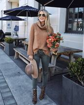 sweater,turtleneck,jeans,grey jeans,skinny jeans,ankle boots,leopard print,hat,aviator sunglasses