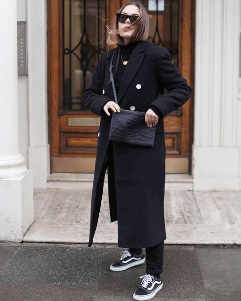 coat tumblr black coat long coat black long coat sneakers black sneakers vans sunglasses bag all black everything