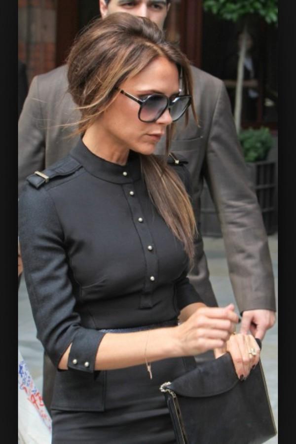 blouse une blouse très cintrée noir r un peu militaire
