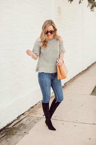 miami + dallas based lifestyle and fashion blog blogger shorts sweater sunglasses bag shoes jewels