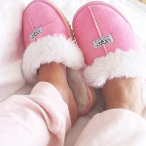 shoes, pink, pink, ugg boots, ugg boots, fur, white, relax, lasy, home decor, slippers - Wheretoget