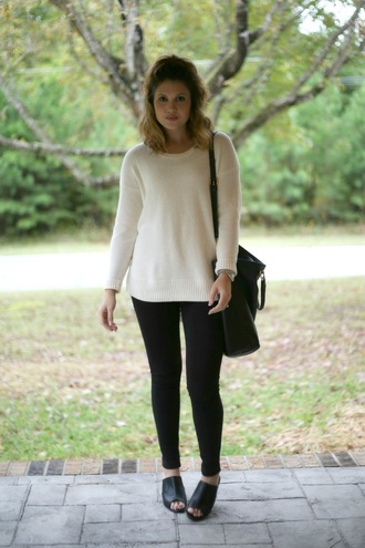 life & messy hair blogger sweater pants bag shoes