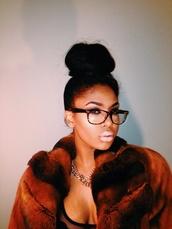 coat,fur,brown
