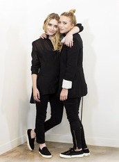 olsen sisters,t-shirt,shoes,jewels,blouse,pants,all black everything,blogger,dress,jeans,sunglasses