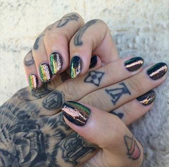 nail polish iridescent holographic nails