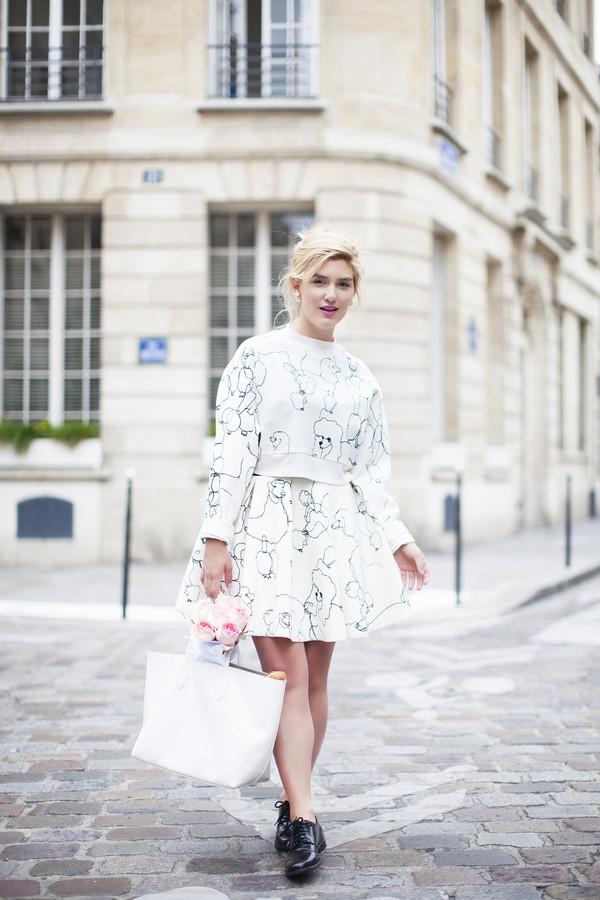 making magique blogger shoes bag make-up jewels blouse skirt
