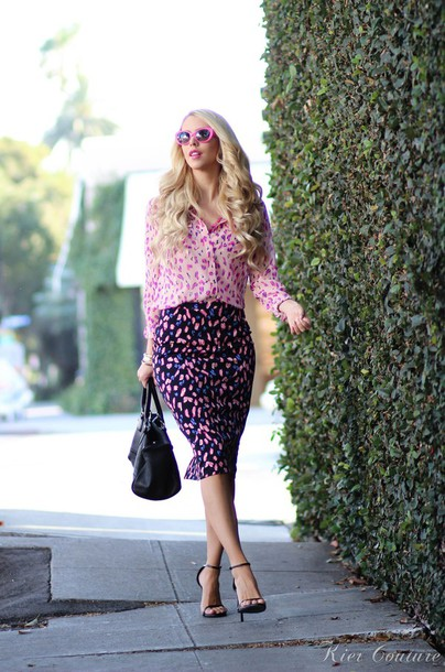 fashion addict blogger skirt spring outfits pink blouse floral pink sunglasses
