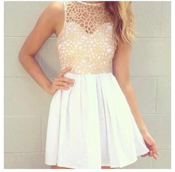 Summer dress in white and gold