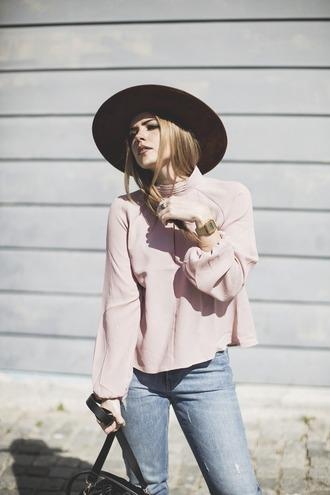 room91 blogger blouse hat bag pink blouse skinny jeans fedora