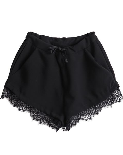 Delila trim lace shorts
