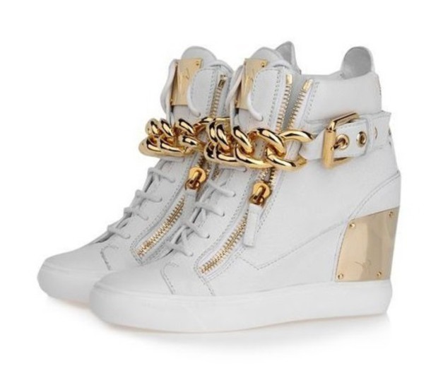 Free shipping and returns on Women's White Sneakers & Athletic Shoes at buzz24.ga