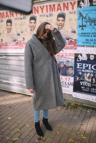 coat grey coat tumblr fuzzy coat oversized oversized coat boots black boots sunglasses