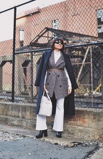 mysmallwardrobe blogger coat shoes jeans belt jewels bag sunglasses grey coat sleeveless coat winter outfits bucket bag flare jeans navy coat