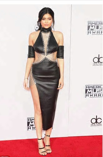 dress chain kylie jenner ponytail american music awards fashion fashionista black heels kylie jenner dress edgy all black everything dark natural makeup look eyeliner leather dress amas 2015 shoes