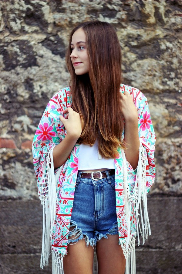 my time is now blogger top kimono denim shorts summer outfits