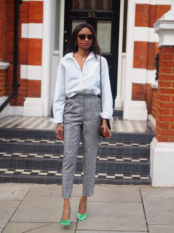 symphony of silk blogger shirt pants shoes white shirt grey pants pumps high heel pumps