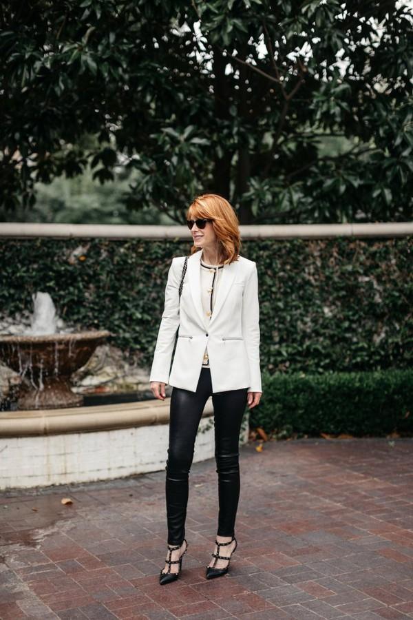 themiddlepage blogger jacket leggings jewels bag