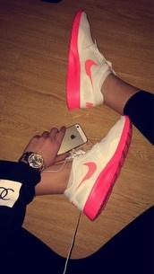 nike running shoes,nike sneakers,pink,white,shorts,shoes,fashipn,styles,stule,nikes,nike sb,skateboard,team edition 2 sb,nike air max thea,roshe runs