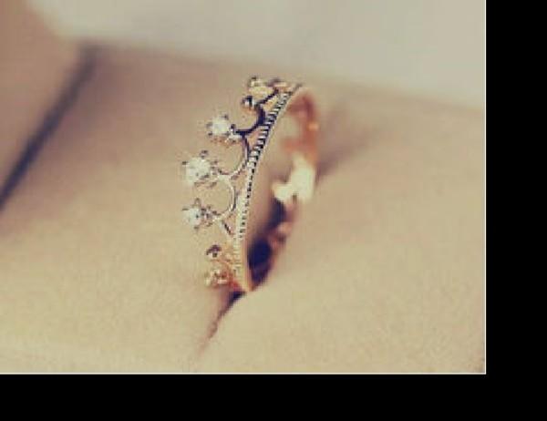 jewels ring beautiful crown juwel Juwels diamonds diamonds