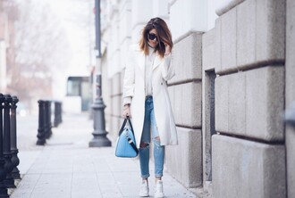scent of obsession blogger bag sunglasses winter outfits winter coat converse light blue ripped jeans