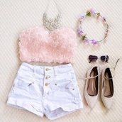 crop tops,pink,flowers,shoes,tank top,blouse,roses,top,beautiful,style,girly,girl,jeans,shorts,tights,High waisted shorts,jewels,flower crown,hair accessory,necklace,sunglasses,shirt,pink rose crop top,pink top,classy,blogger,indie,rose,summer,sexy,bralette,light pink crop top