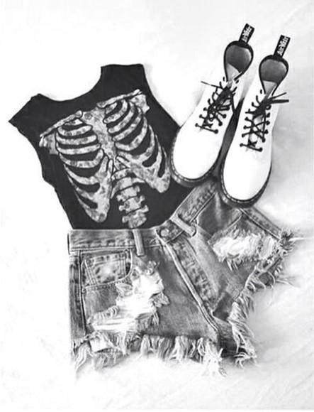 skull t-shirt shirt black white tank top shorts shoes