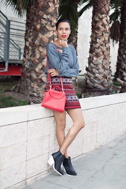 style me grasie blogger pattern mini skirt red red bag grey sweater ankle boots