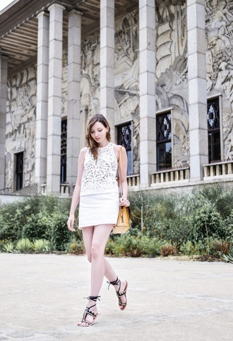 maxce blogger flat sandals white top