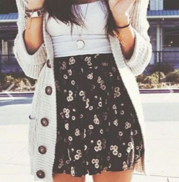 blouse skirt jewels
