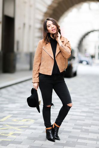 five five fabulous blogger suede jacket black ripped jeans