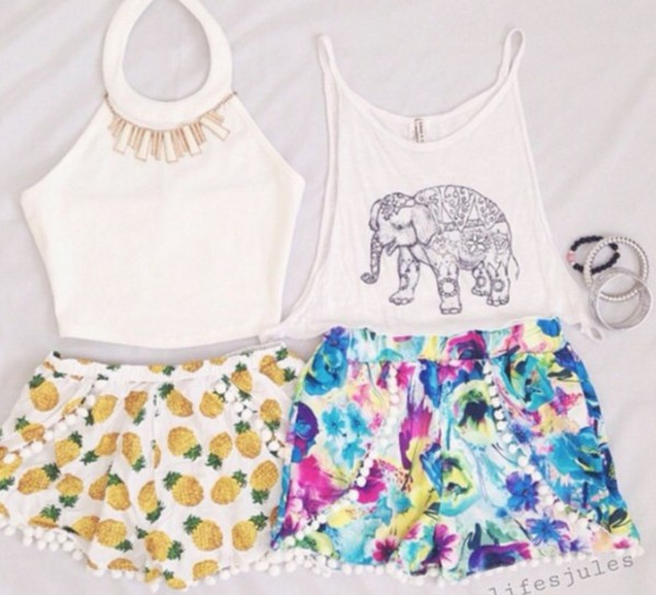 summer outfits itsmeez floral pineapple print shorts beach