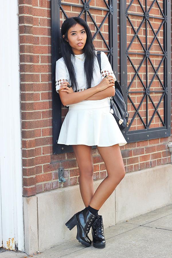 fashion of a novice blogger t-shirt skirt shoes jewels