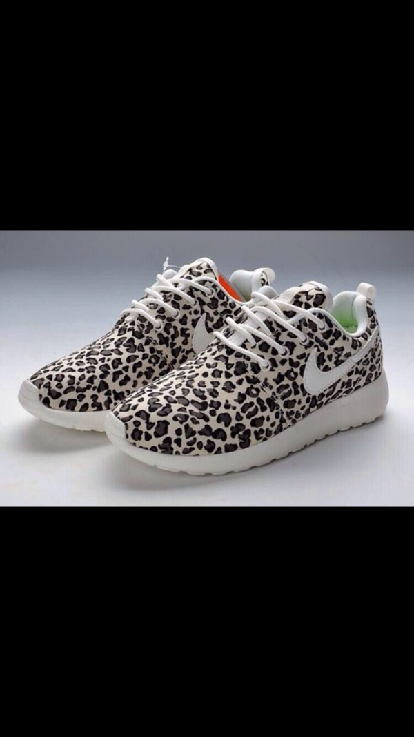 womens roshe run cheetah