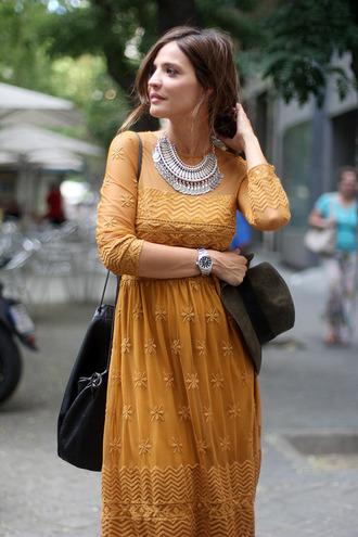 lady addict blogger shoes jewels dress boho zara