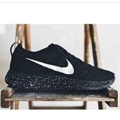 shoes,nike roshe run,lunar,nike,all black everything