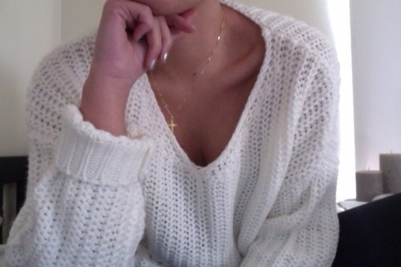 sweater white white sweater gold necklace