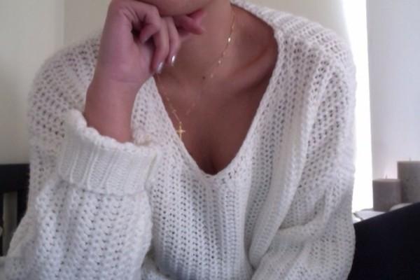 how to wear open knit sweaters